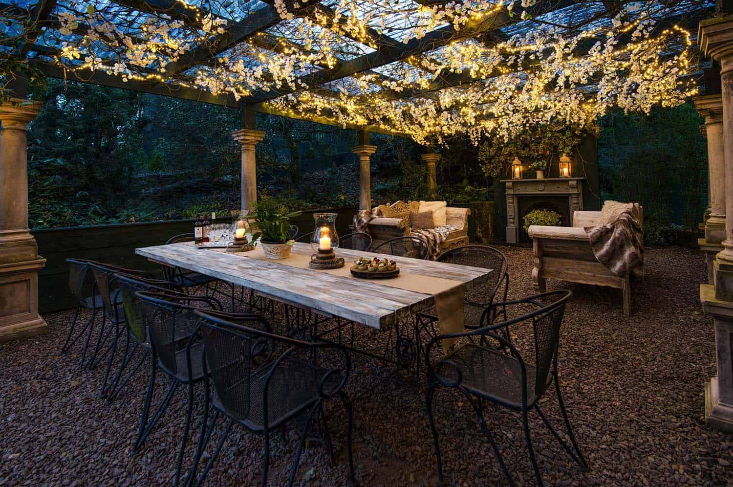 35 Brilliant and inspiring patio ideas for outdoor living ... on Small Backyard Entertainment Area Ideas id=99797