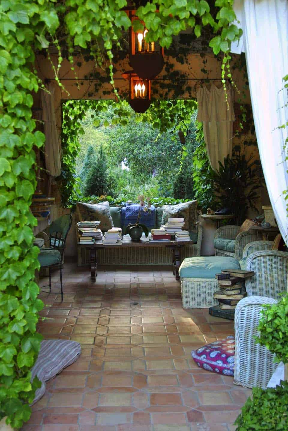 35 Brilliant and inspiring patio ideas for outdoor living ... on Small Backyard Entertainment Area Ideas id=52756