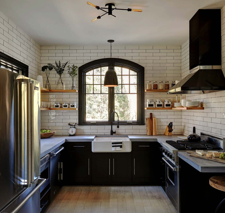 35+ Amazingly creative and stylish farmhouse kitchen ideas on Farmhouse Kitchen Ideas  id=76067