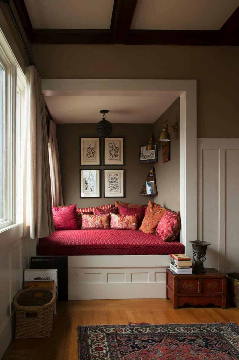20+ Incredibly cozy book nooks you may never want to leave! on Nook's Cranny Design Ideas  id=48033
