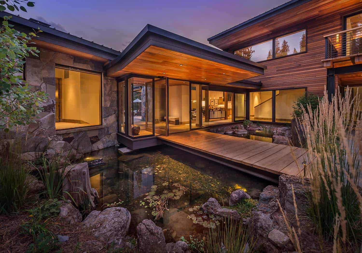 Modern Home Celebrates Indoor-outdoor Living In Sierra