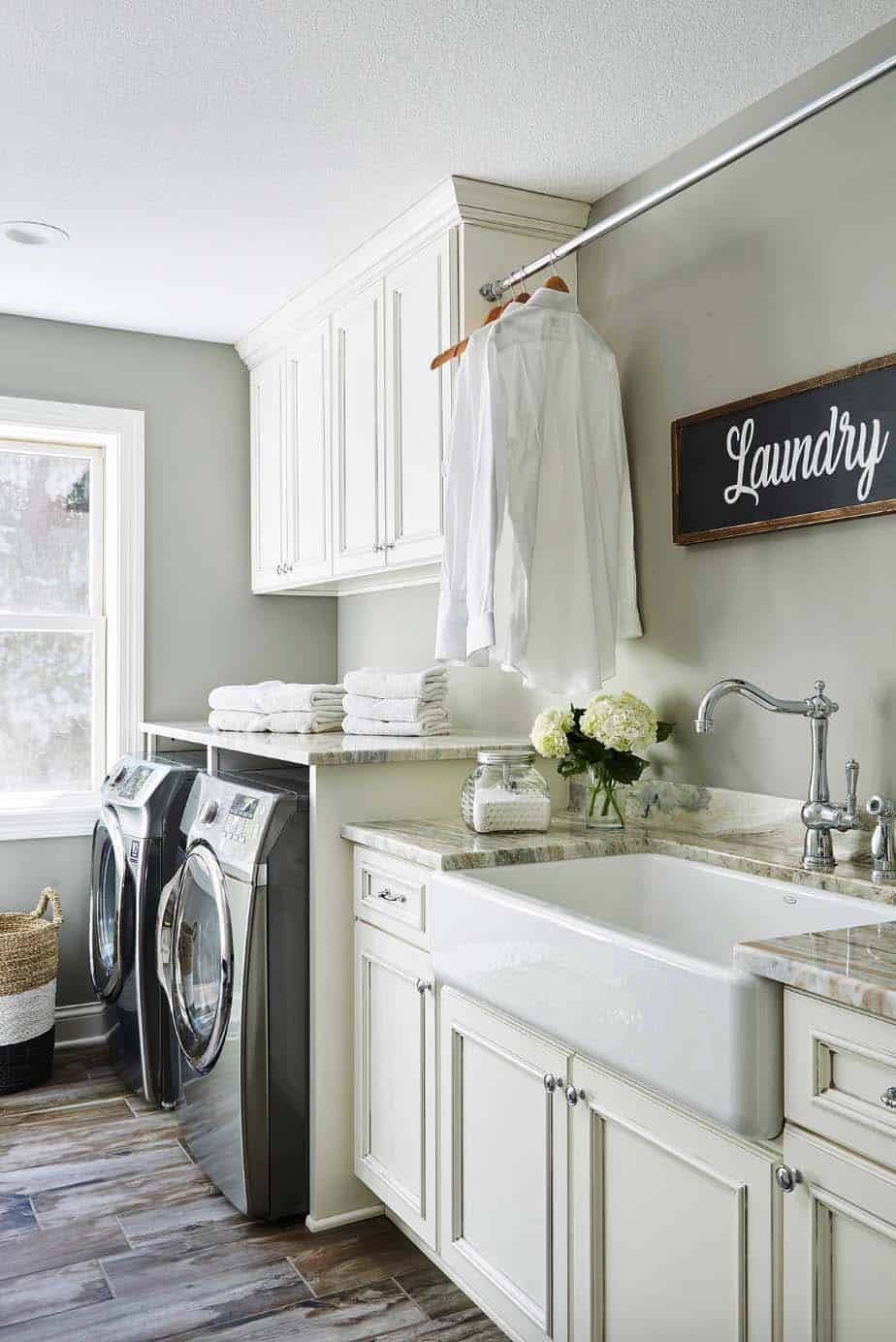 45 Functional And Stylish Laundry Room Design Ideas To Inspire on Laundry Decorating Ideas  id=28042
