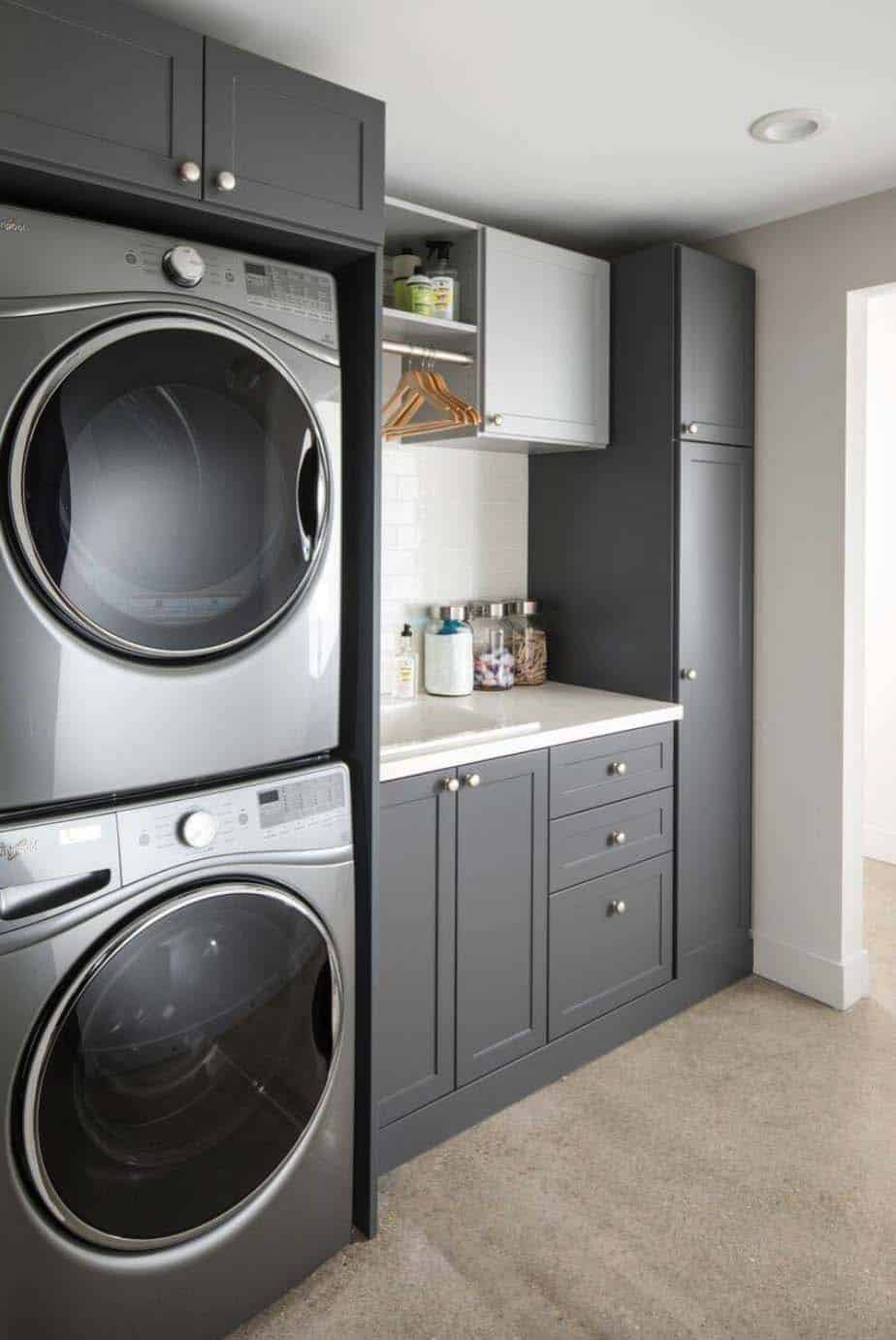 45 Functional And Stylish Laundry Room Design Ideas To Inspire on Laundry Room Decor Ideas  id=33399