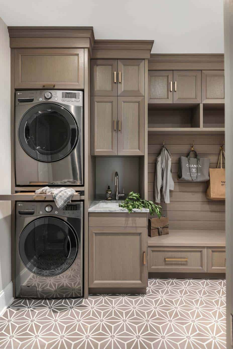 45 Functional And Stylish Laundry Room Design Ideas To Inspire on Laundry Room Decor Ideas  id=31325