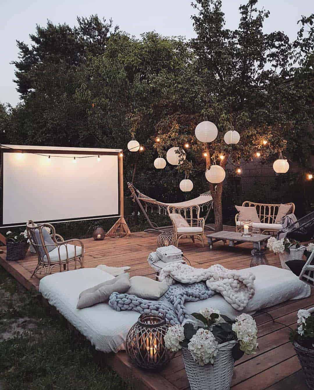 33 Fabulous Ideas For Creating Beautiful Outdoor Living Spaces on Backyard Outdoor Living Spaces id=91002