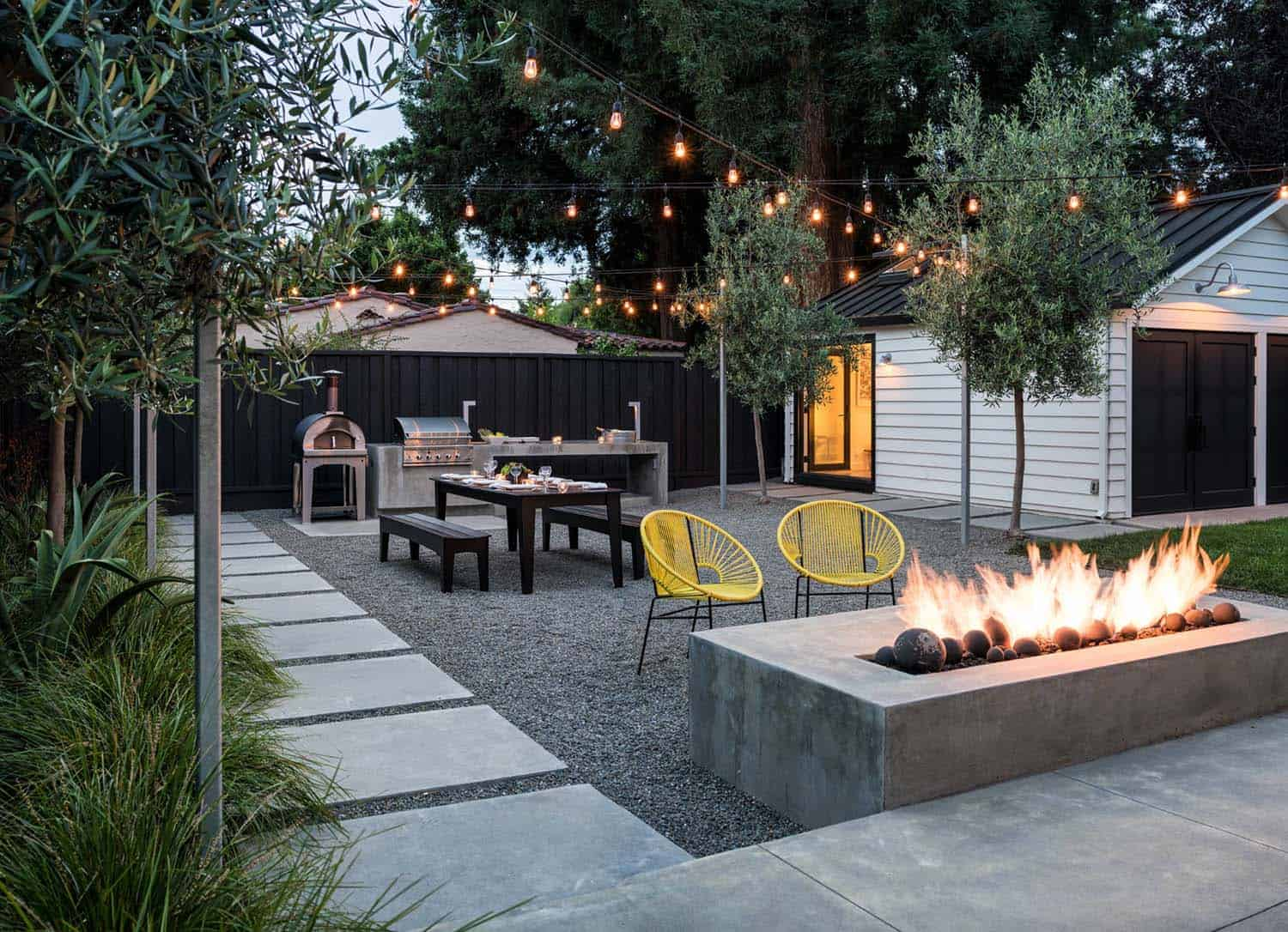 33 Fabulous Ideas For Creating Beautiful Outdoor Living Spaces on Living Spaces Outdoor Dining id=78445