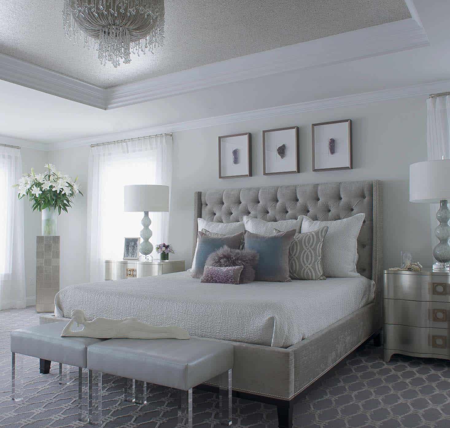 20+ Serene And Elegant Master Bedroom Decorating Ideas on Master Bedroom Curtains  id=87472