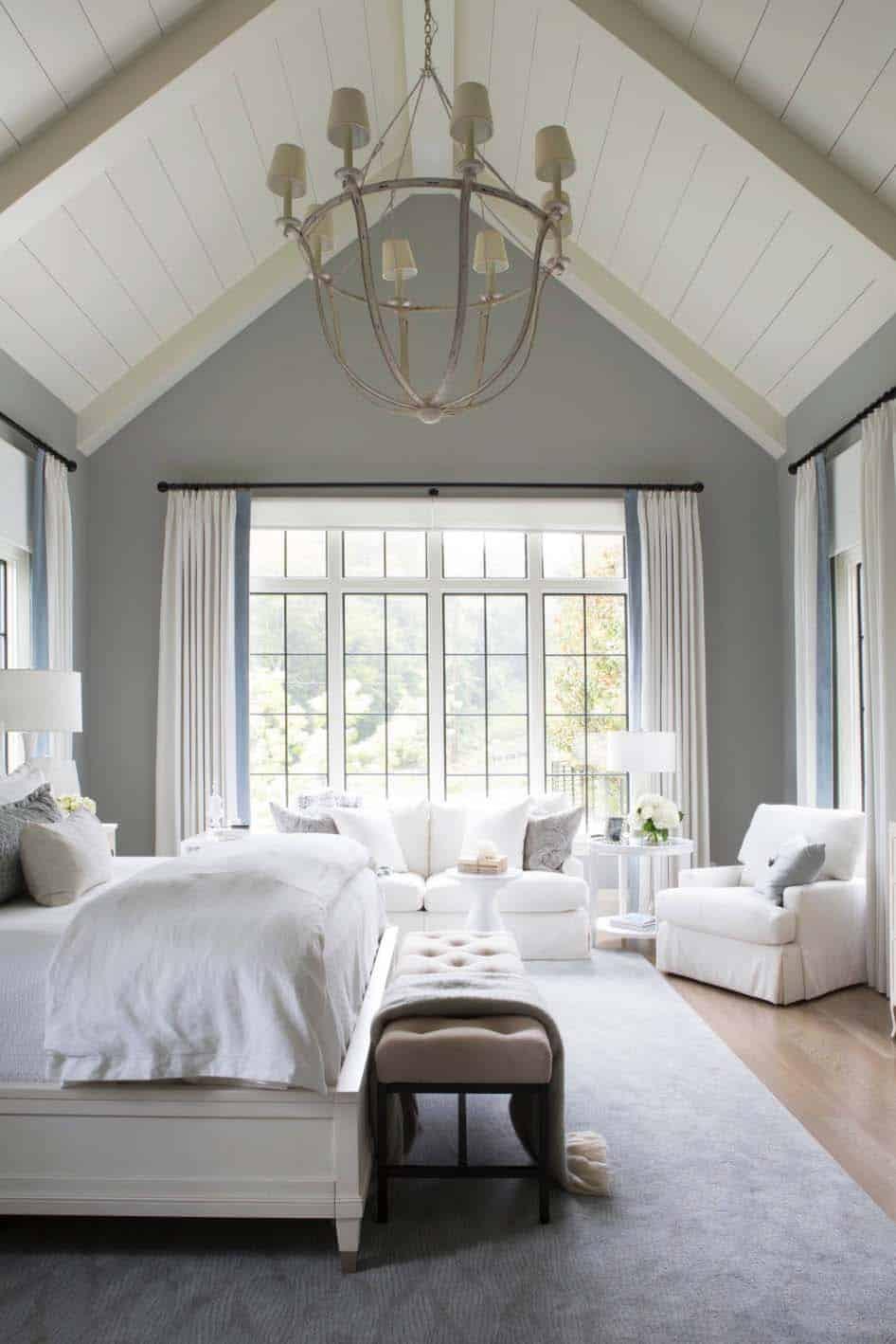 20+ Serene And Elegant Master Bedroom Decorating Ideas on Master Bedroom Curtains  id=36037