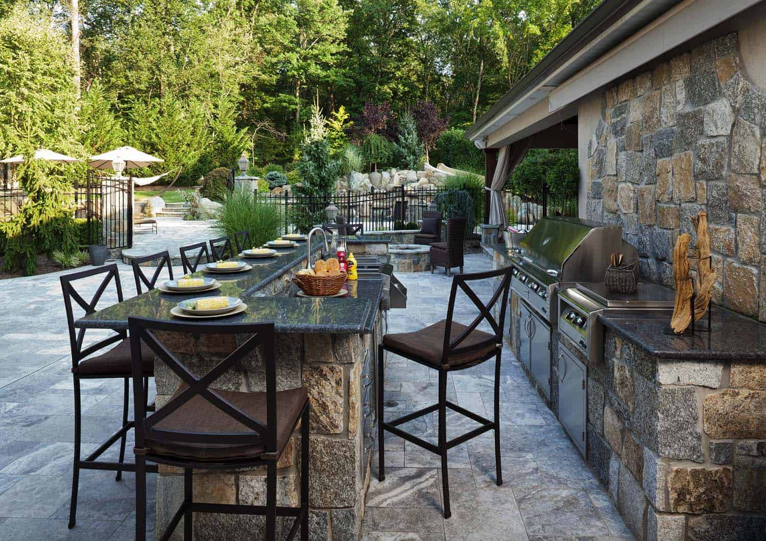 38 Absolutely Fantastic Outdoor Kitchen Ideas For Dining ... on Patio Kitchen id=38547
