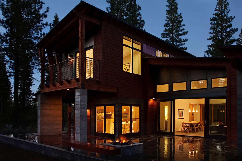 Mountain Modern Prefabricated Home In Tahoe Boasts Indoor