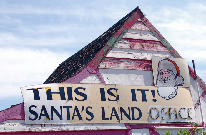 6. Arizona has three places with names related to major holidays: Santa Claus, Christmas, and Valentine.