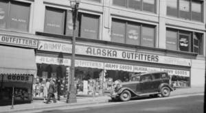 Most People Have Never Seen These 10 Photos Taken During WWII In Washington