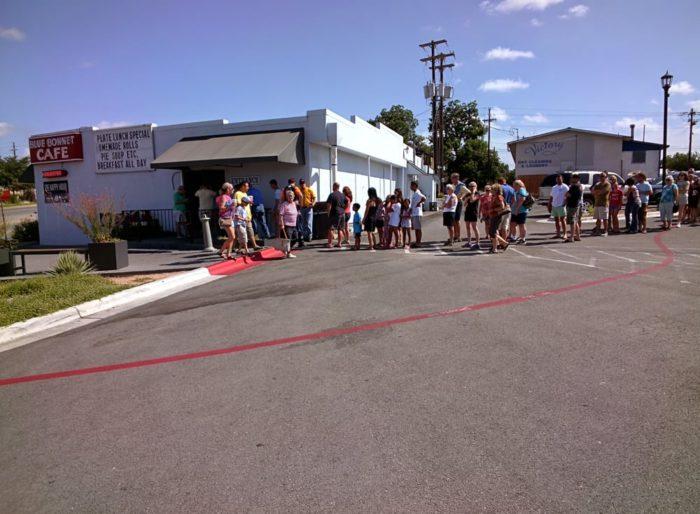 Places People Wait Line