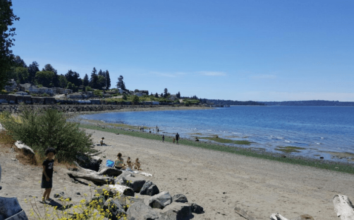 Stroll the shores of Sunnyside Beach, which features 1,400 feet of shoreline, trails, a playground and a picnic area.