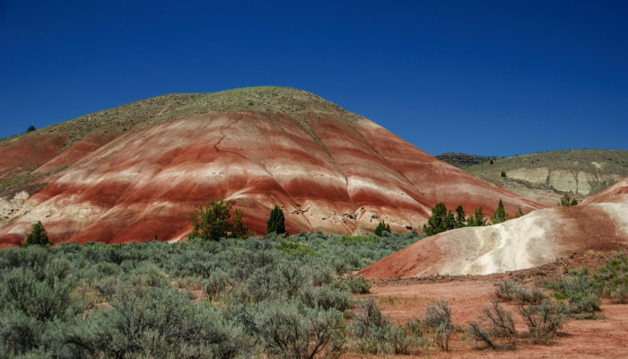 Oregon S Painted Hills Is A Beautiful Otherworldly