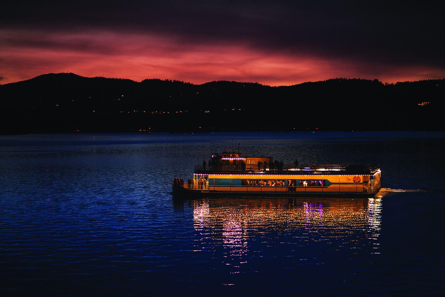 9 Gorgeous Lake Cruises In Idaho That Are Refreshingly