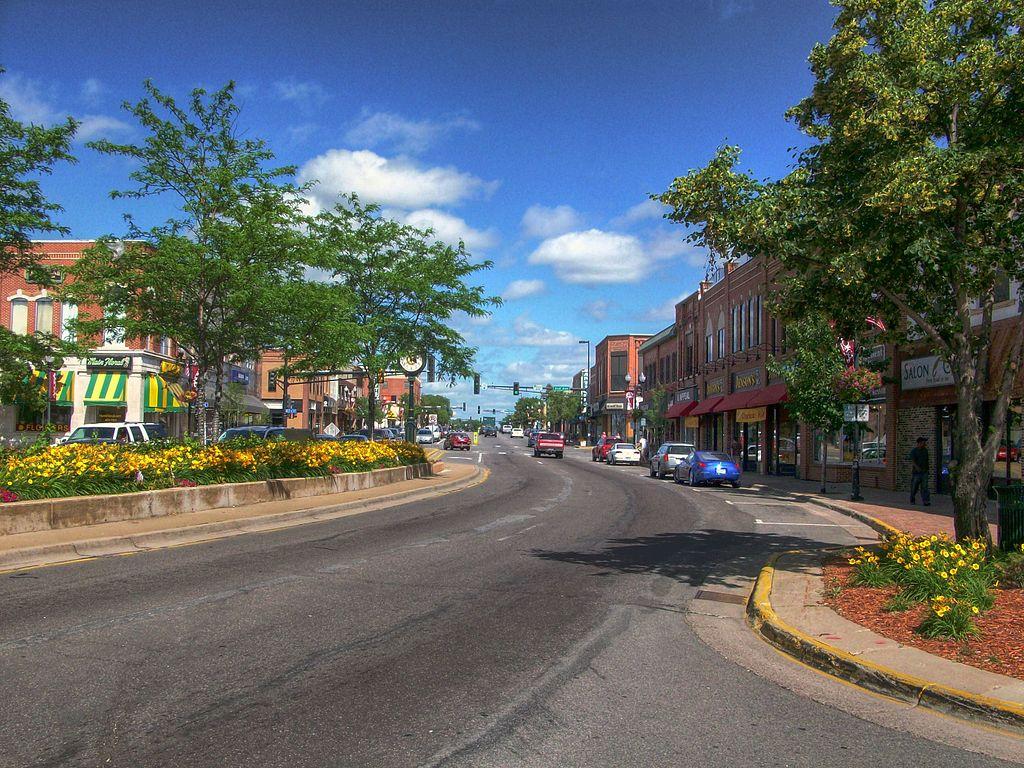 15 Friendly Small Towns Near Minneapolis