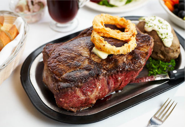 Saylers Old Country Kitchen In Oregon Serves A 72 Ounce Steak