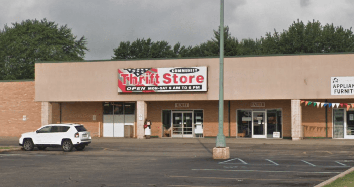 Find Great Bargains On This Thrift Store Road Trip Around