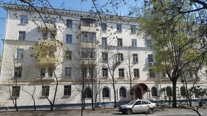 Пятиэтажка вОчаково, которая была недавно была капитально отремонтирована. Фото: Открытая Россия