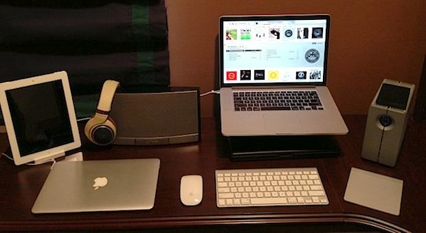 Настольная установка MacBook Pro Retina и iPad