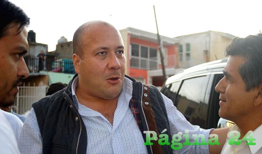 Aun cuando la aceptación de muchos de los vecinos de La Campesina hacia Enrique Alfaro fue notoria, para otros más –los realistas–, las acciones del alcalde no son más que tácticas de un político que desea congeniar con la ciudadanía