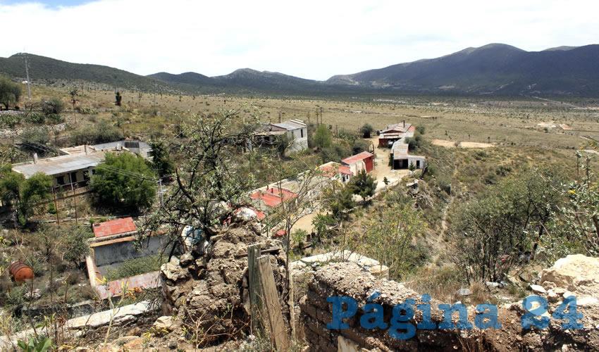 Por la negativa de venta, en el año 2011, la minera Frisco-Tayuhua, construyó un fraccionamiento denominado Nueva Salaverna, a 5 kilómetros del pueblo, casas de interés social que eran entregadas en comodato a cambio del hogar en Salaverna, para ser demolido