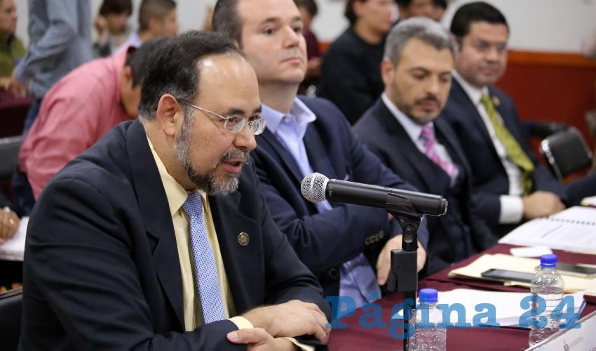 """""""El problema es que en términos de cumplimiento de Ley de Transparencia estar abajo de 100 es estar reprobado"""", sentenció el experto del ITESO Alberto Bayardo Pérez Arce/Foto: Cortesía"""