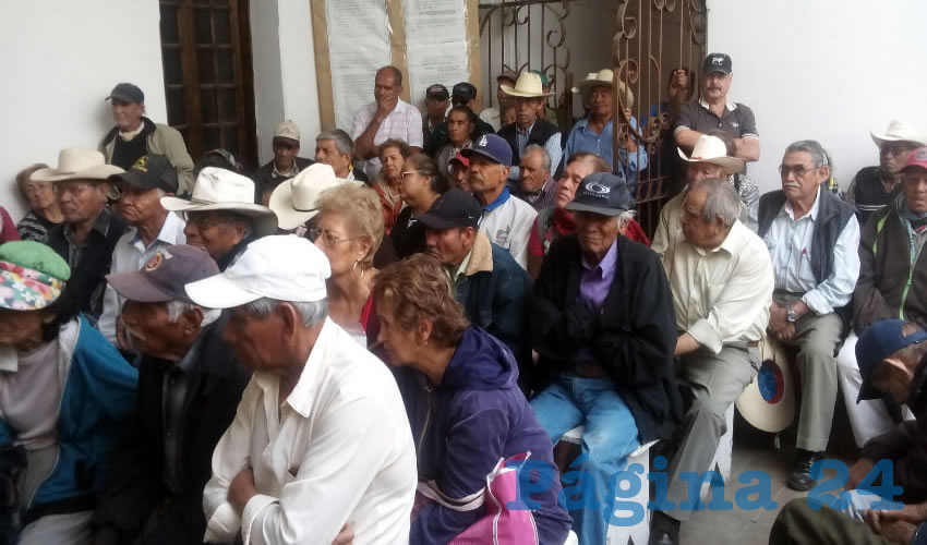 Esta iniciativa popular se propone decretar la posibilidad de que los adultos mayores de todo Jalisco puedan acceder gratuitamente al servicio de transporte público, así como las personas con discapacidad, en razó del raquítico esquema de pensiones/Fotos: Francisco Tapia