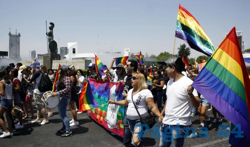 Unas mil 500 asistieron a la marcha que partió al filo de las dos de la tarde de la glorieta Minerva con rumbo al centro de Guadajara/Foto: Cuartoscuro