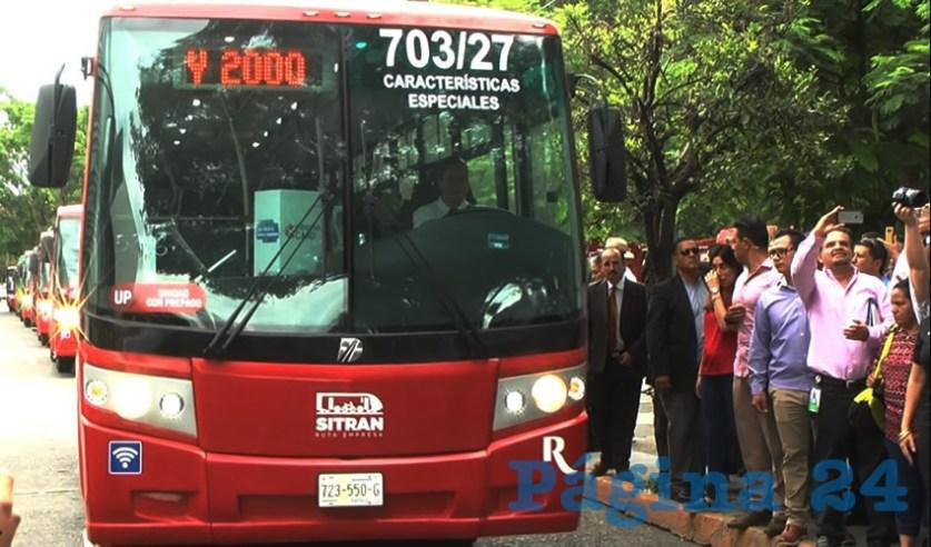 Transportistas criticaron que el gobernador Aristóteles Sandoval Díaz pretende aplicar un sistema inoperante de transporte público, que sólo ha demostrado, en las tres rutas en las que ya se cuenta, es que habrá un robo en despoblado para las rutas de transporte/Fotos: Archivo Página 24