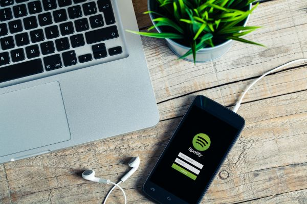 spotify streaming music.jpg