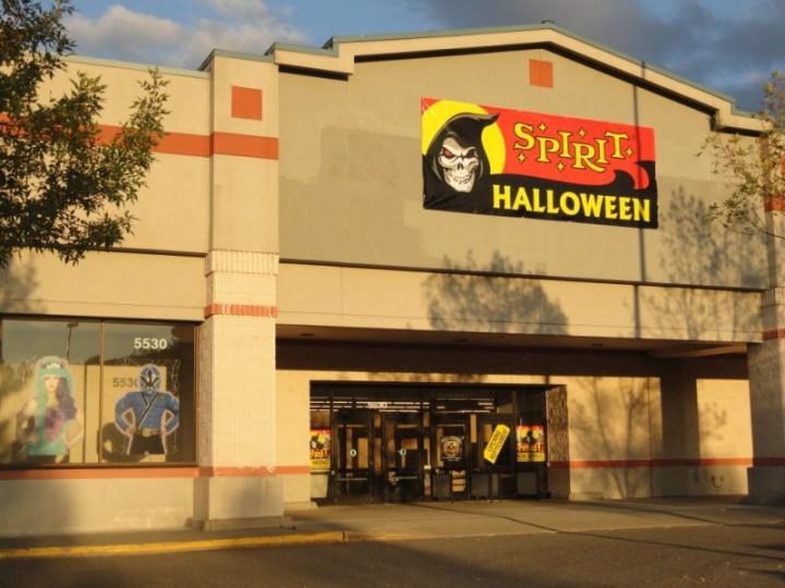 spirit halloween hiring for pop up issaquah sammamish wa