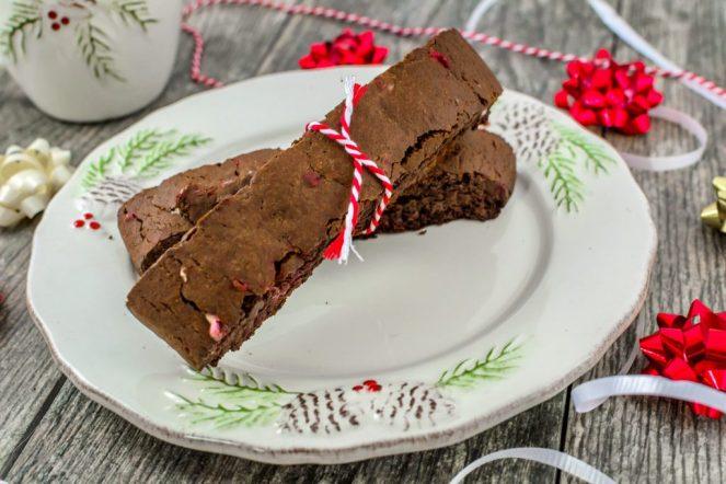 holiday-biscotti-chocolate-candy-cane