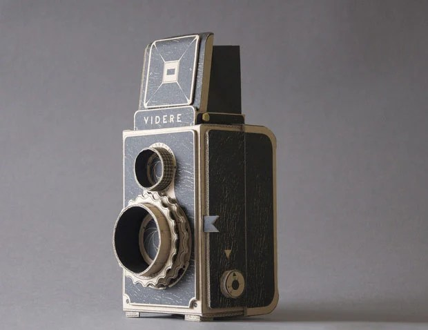 Videre: A Medium Format Pinhole Camera with a Twin Lens Reflex Design cam1