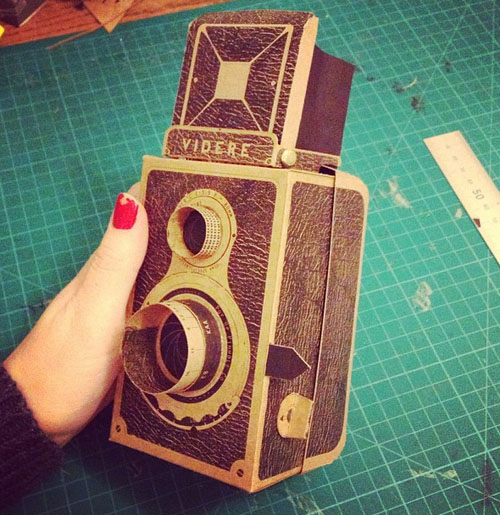 Videre: A Medium Format Pinhole Camera with a Twin Lens Reflex Design videre5
