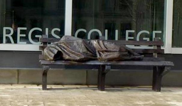 https://i1.wp.com/cdn.ph.upi.com/sv/i/UPI-9481366026437/2013/1/13660276353656/Homeless-Jesus-sculpture-rejected-by-two-churches.jpg