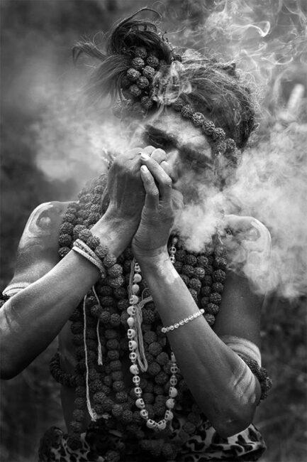 14.-Swarup-Chatterjee_Barsana-Holi-Sadhu-Smoking