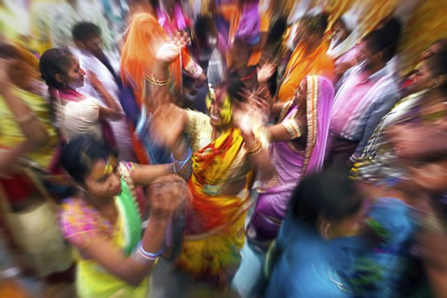 3.-Nandgaon_-Swarup-Chatterjee_Holi-India-Dancers