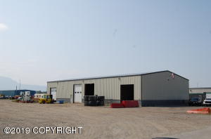 Quality commercial bldg, 120'X60' for 7,200 sqft with infloor heat, more!