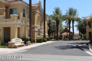 121 N CALIFORNIA Street, 28, Chandler, AZ 85225