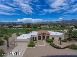 Welcome to your new home in Rio Verde! Nestled on the edge of the Tonto National Forest, this community offers an ideal retreat for golf and nature lovers.