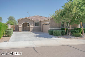 18135 W IVY Lane, Surprise, AZ 85388