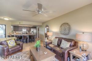 12370 S SHOSHONI Drive, Phoenix, AZ 85044