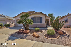 This lovely 1708sf Coronado model has great curb appeal and is located on a quiet street in a 55+ guard-gated resort community!