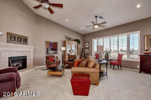 2406 S YELLOW WOOD Avenue, Mesa, AZ 85209