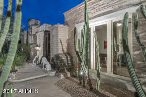 6111 N 51ST Place, Paradise Valley, AZ 85253