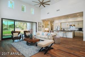 610 W ECHO Lane, Phoenix, AZ 85021