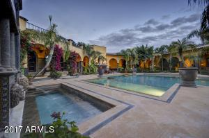 8100 N 68th Street, Paradise Valley, AZ 85253
