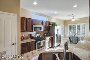 SS appliances - beautiful cabinets